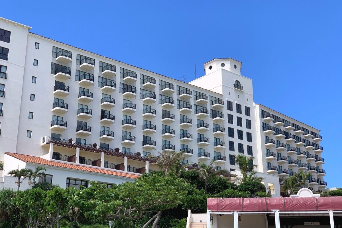 ホテル日航アリビラで食事