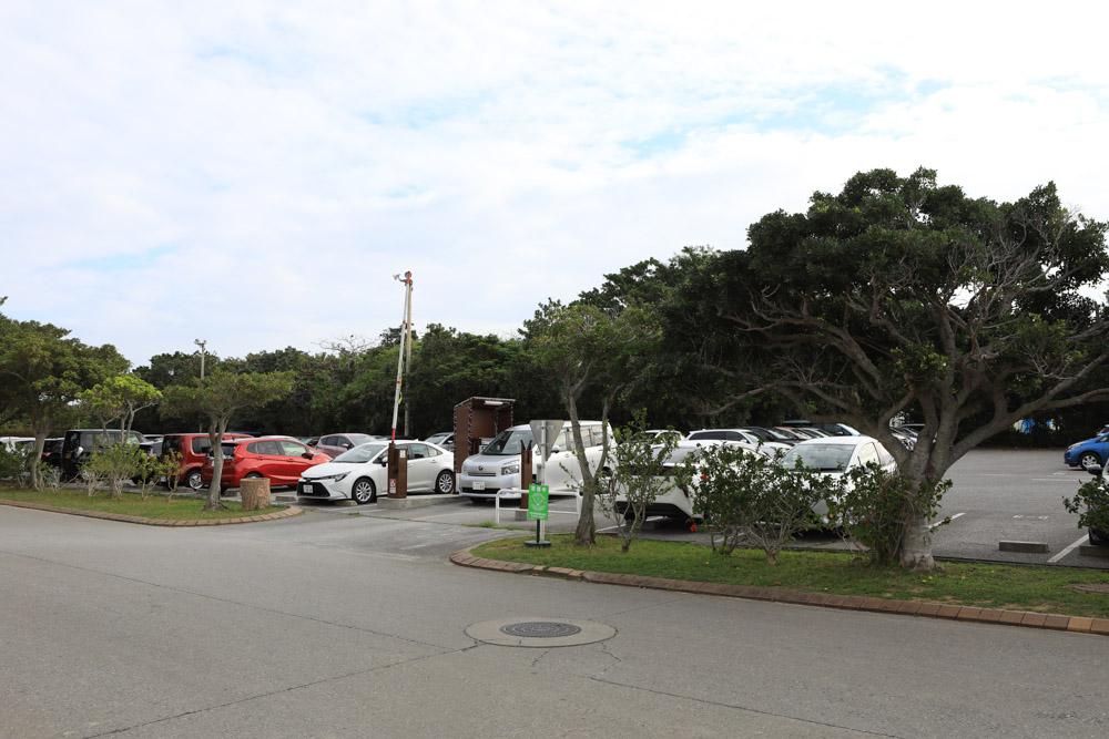 ニライビーチ の有料駐車場