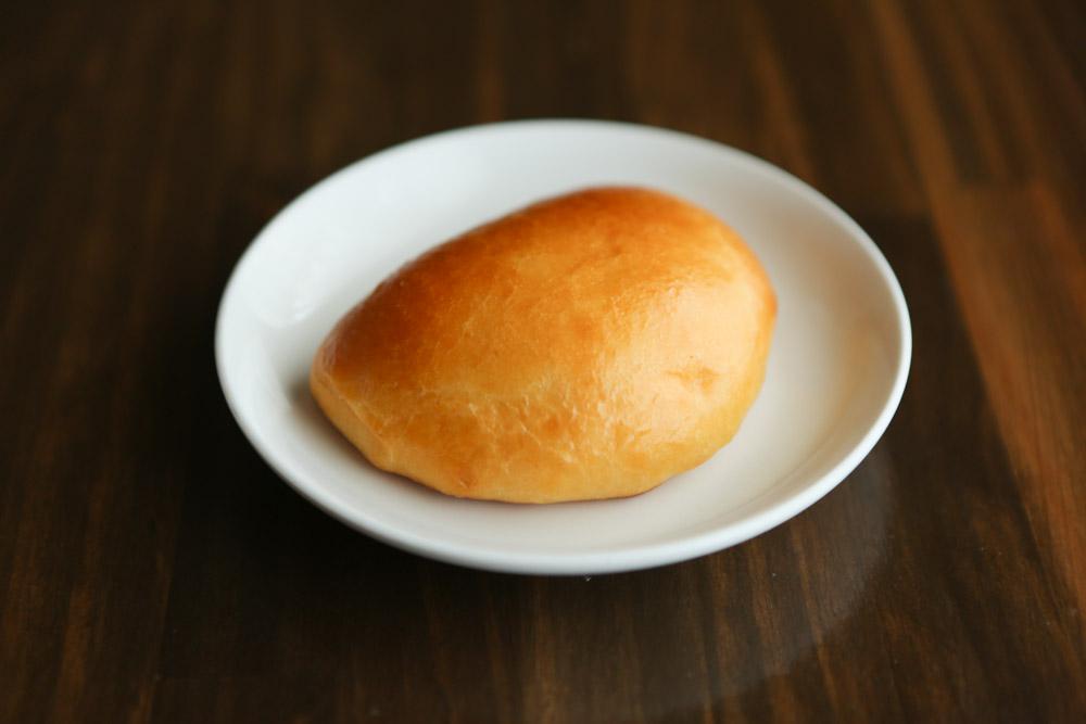 オハコルテベーカリーのクリームパン