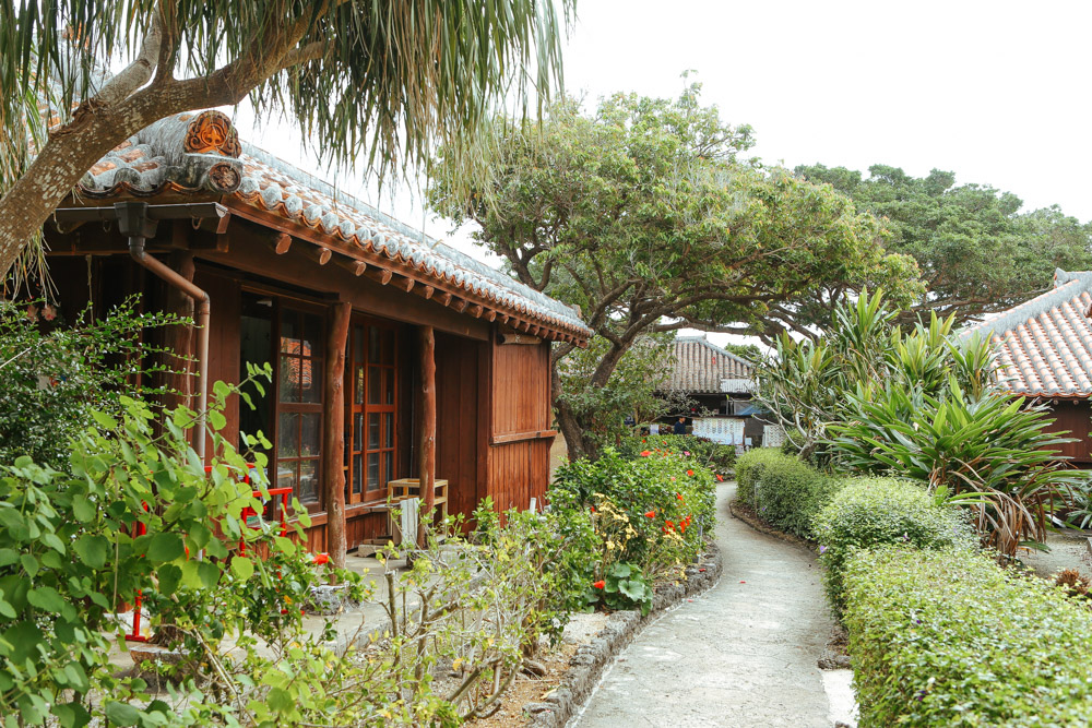 沖縄ワールドのアクセス(住所)・地図・駐車場など