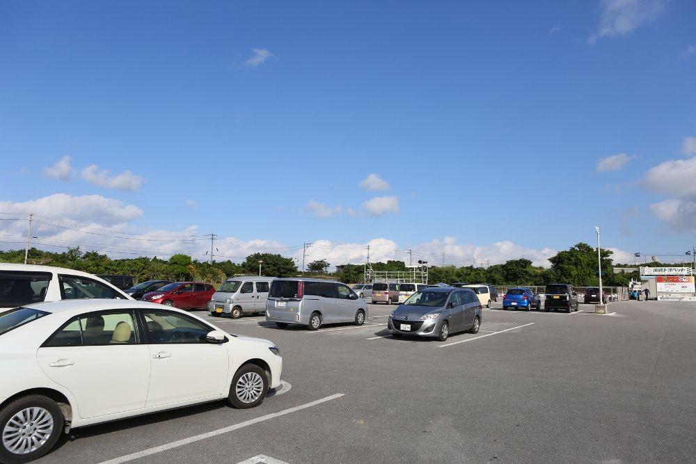 むらさきむらの駐車場