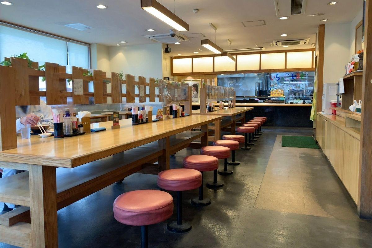 沖縄で人気の食堂