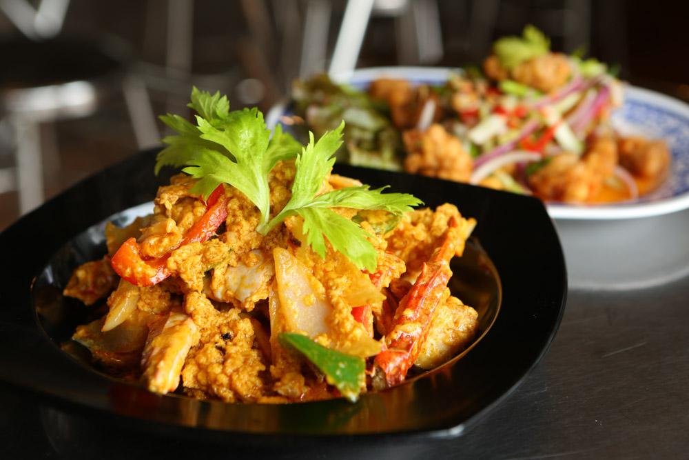 あろいなたべた沖縄のタイ料理