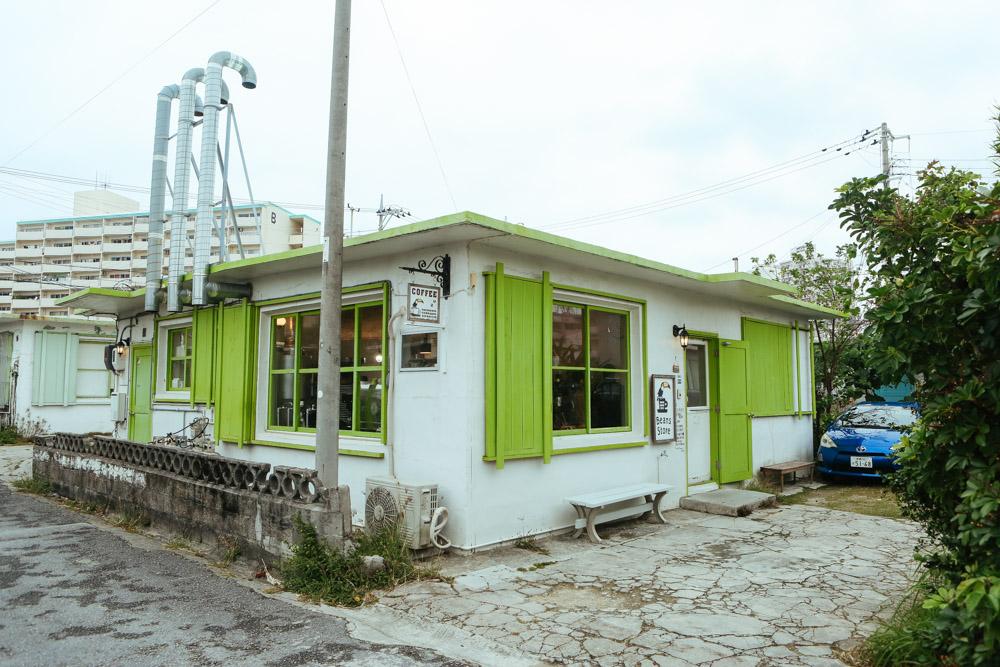 沖縄セラードコーヒーの駐車スペース