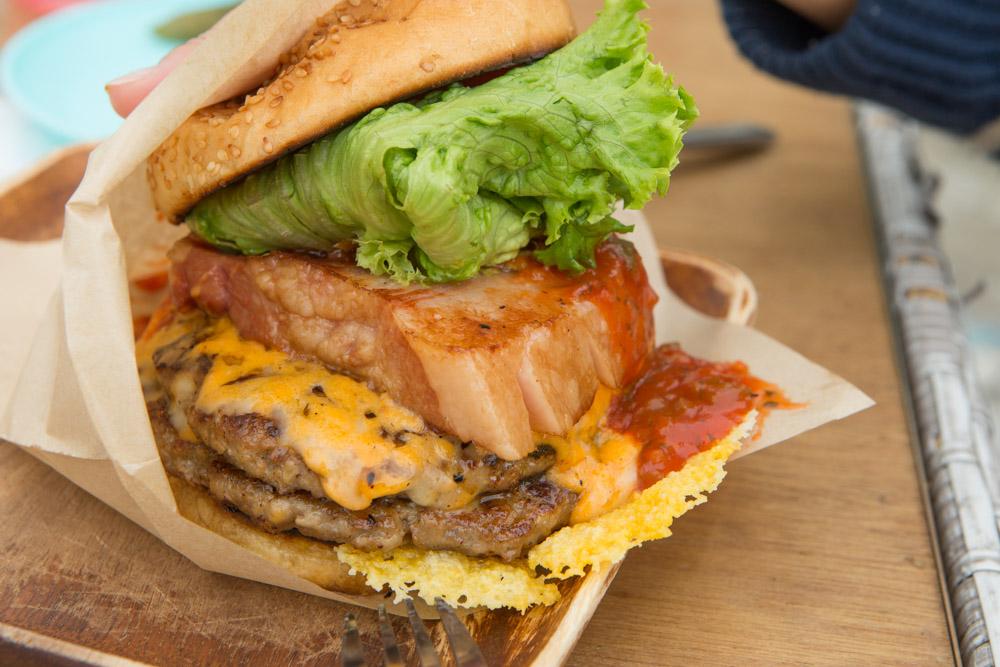 ウミカジテラスのハンバーガー