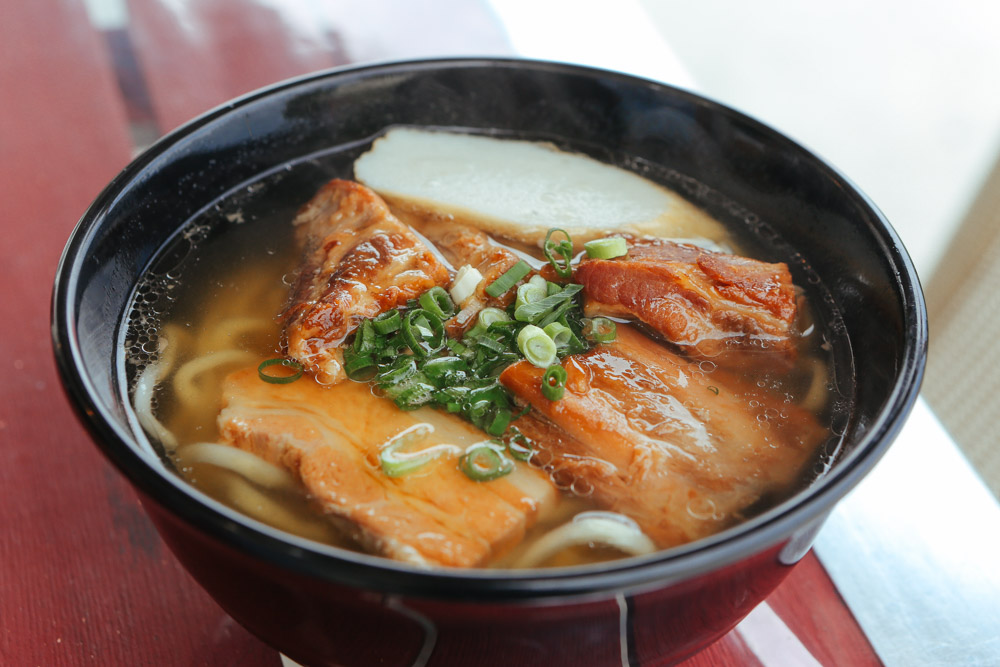 コシのある麺が美味しい!沖縄そばのもとぶ熟成麺
