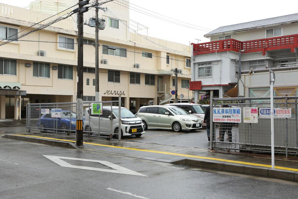 ソムチャイ付近の駐車場(コインパーキング)