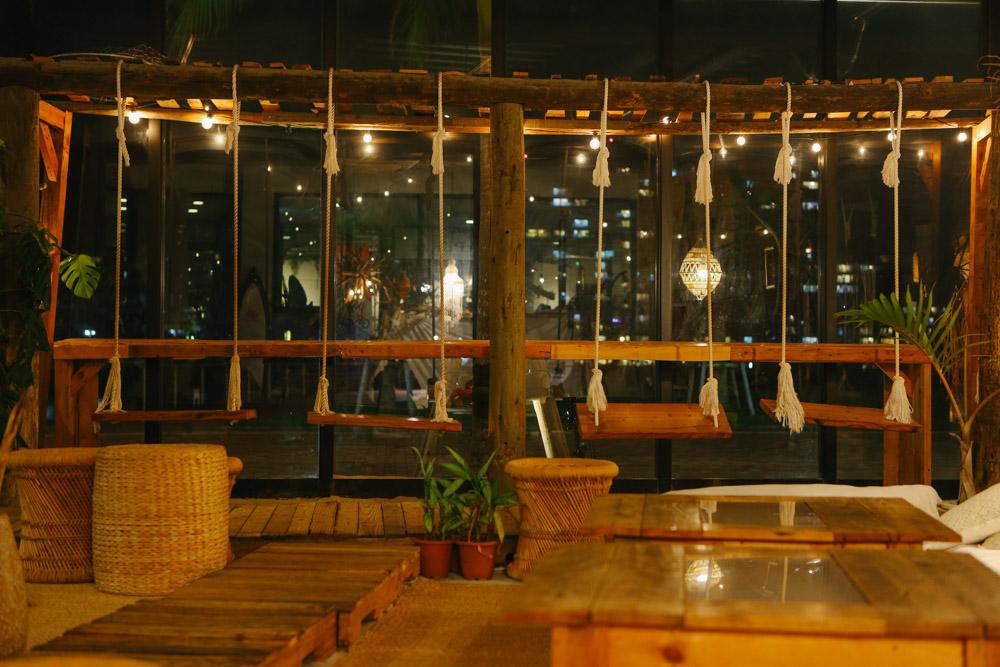 theJunglilacafeのブランコ