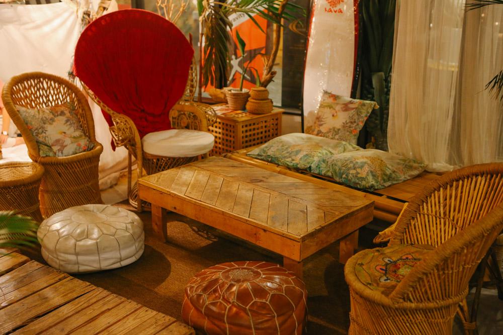 ジャングリラカフェ沖縄のソファ席