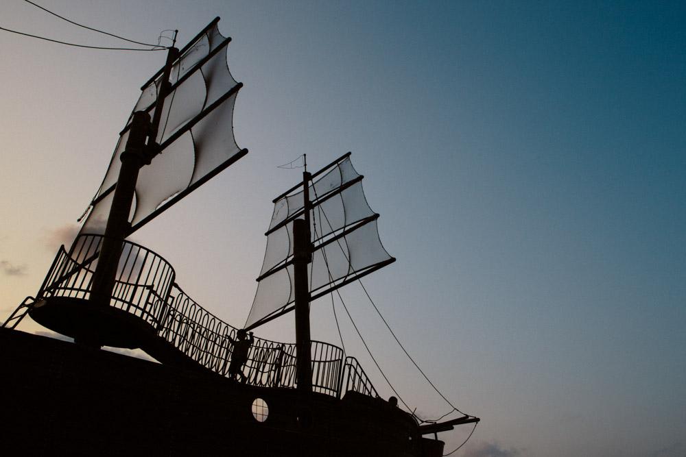 実物大の海賊船「インディアン・オーク号」