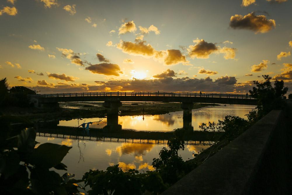 アラハビーチの橋から見えるサンセット