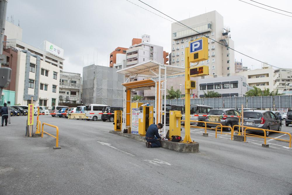 バイミースタンド 沖縄の駐車場