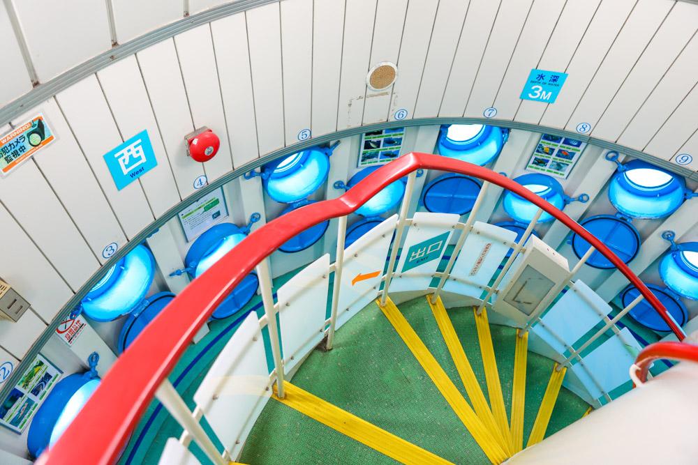 一方通行の階段