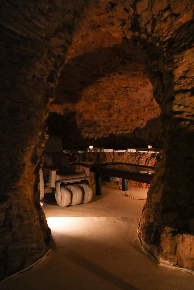 読谷村のフルカフェの洞窟