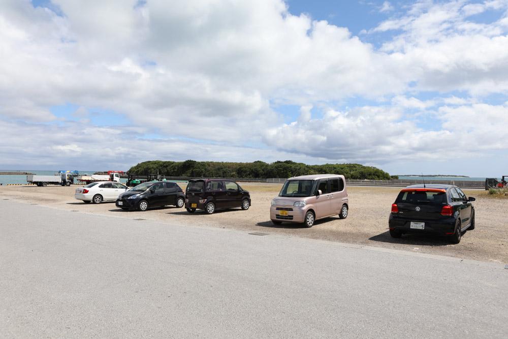 海沿いの駐車場
