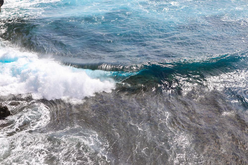 群青色の海