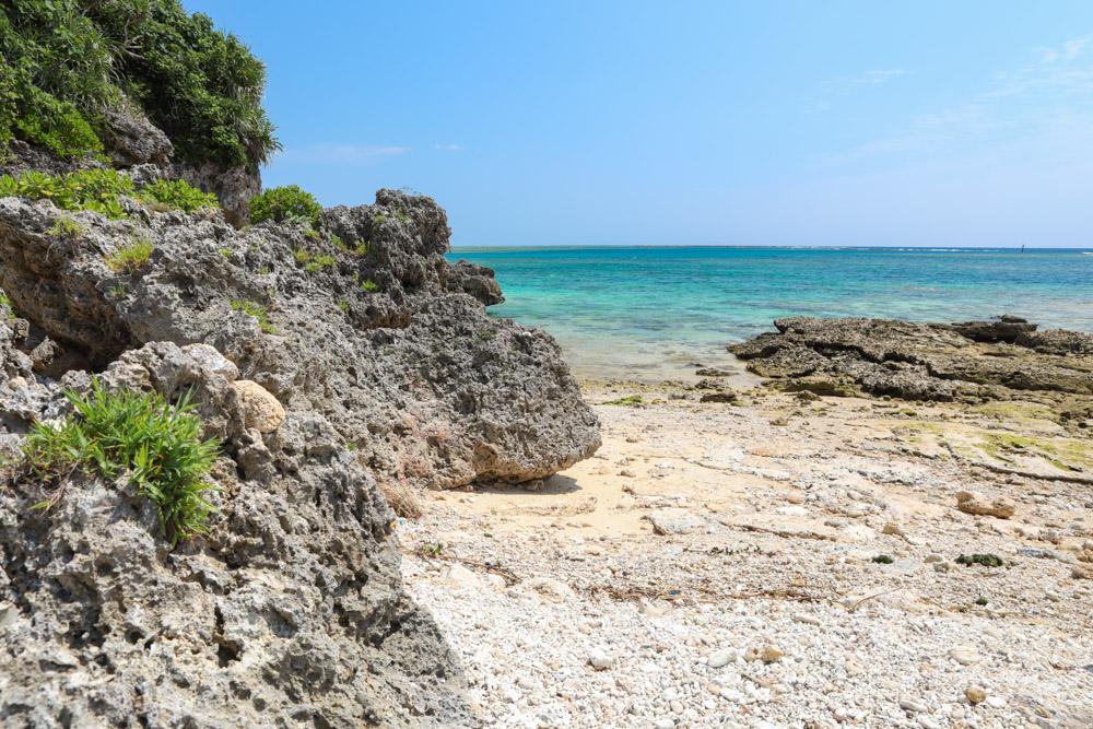 竜宮神の隣のビーチ