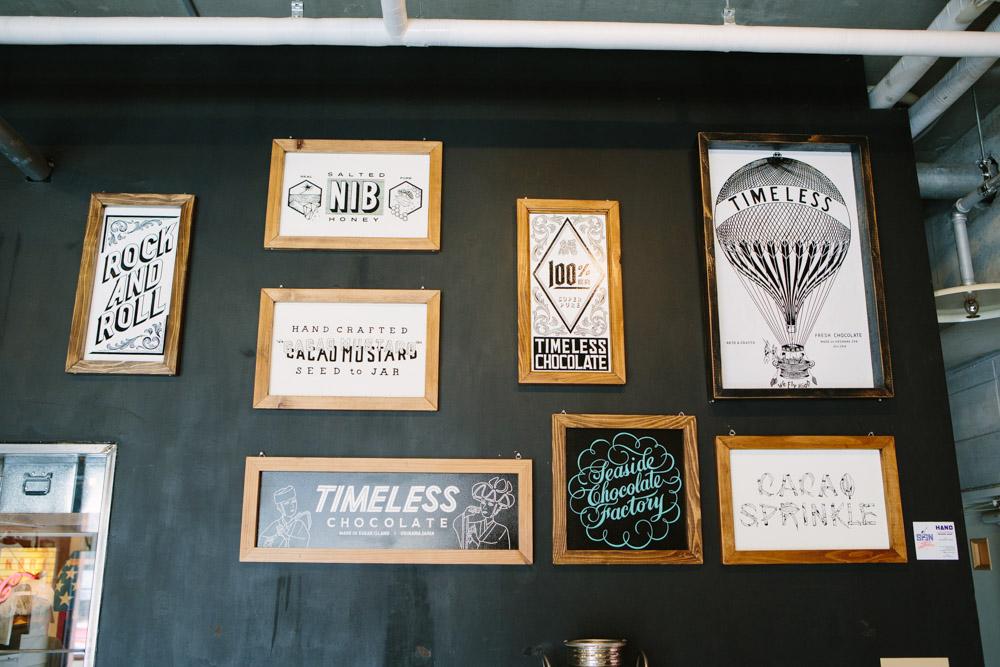 カフェの壁(ポスター)