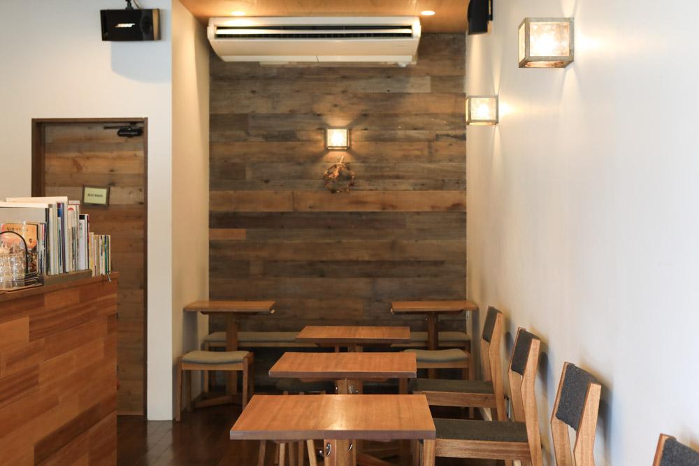 トックリキワタ珈琲店の座席