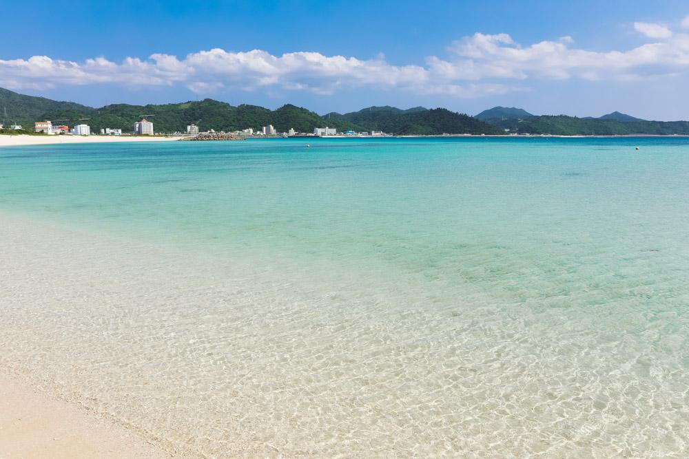 晴れた日の青い海