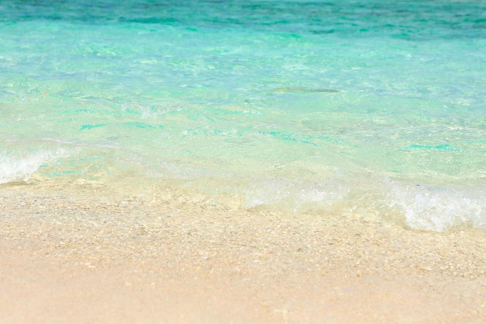 透明な瀬底ビーチ