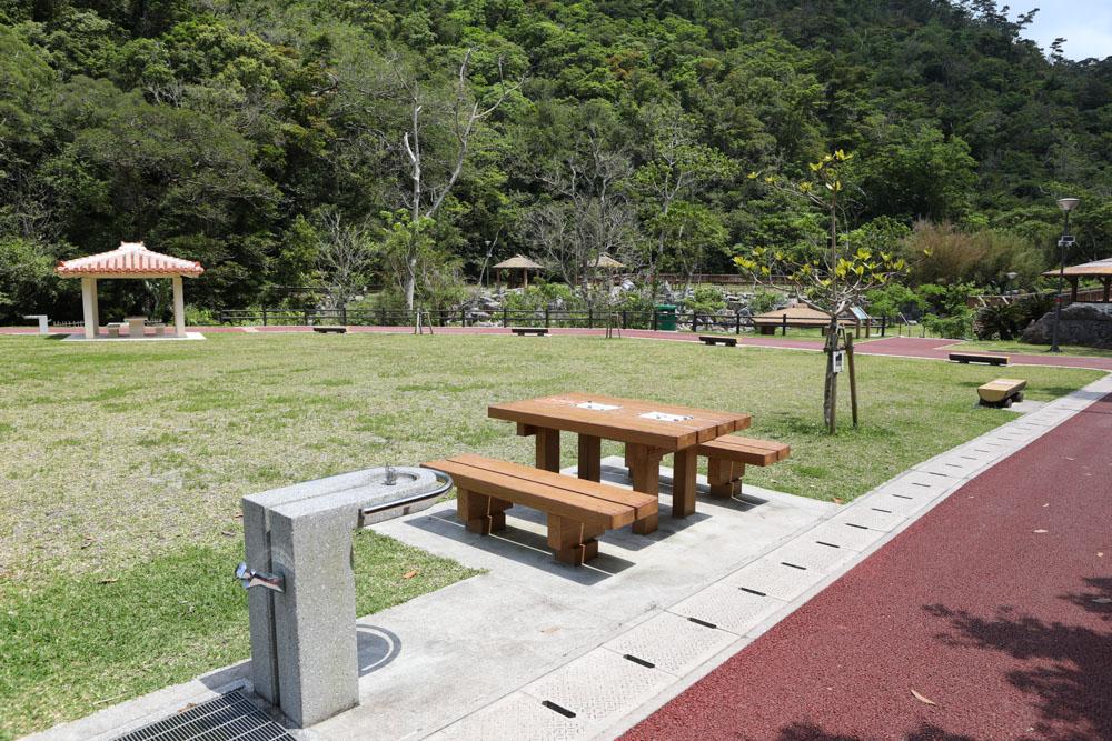 名勝轟の滝公園