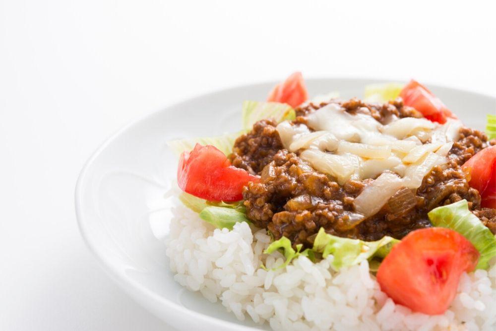 沖縄で人気の食べ物 タコライス