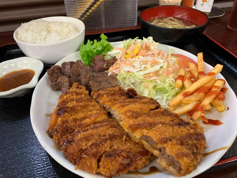サイコロステーキ豚カツ定食