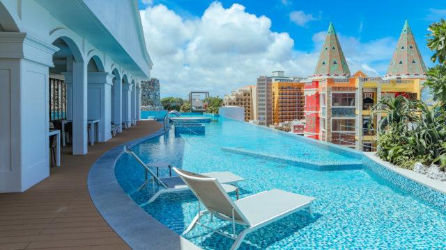 沖縄で温泉に入れるホテル、レクー