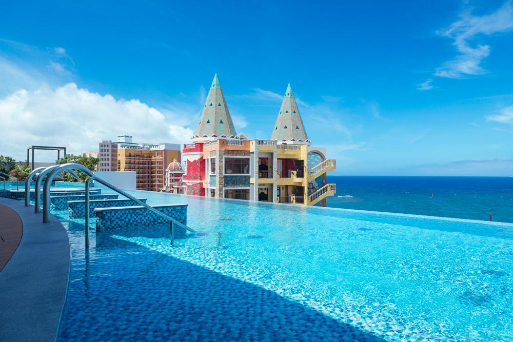 レクー沖縄の絶景のプール