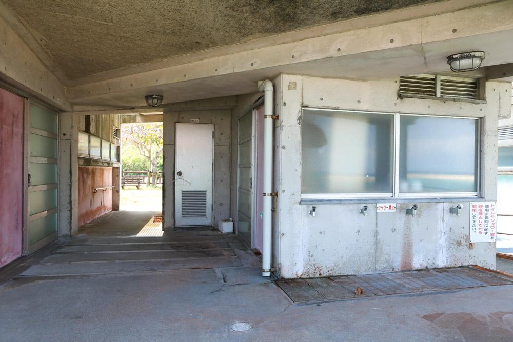 あざまサンサンビーチの更衣室