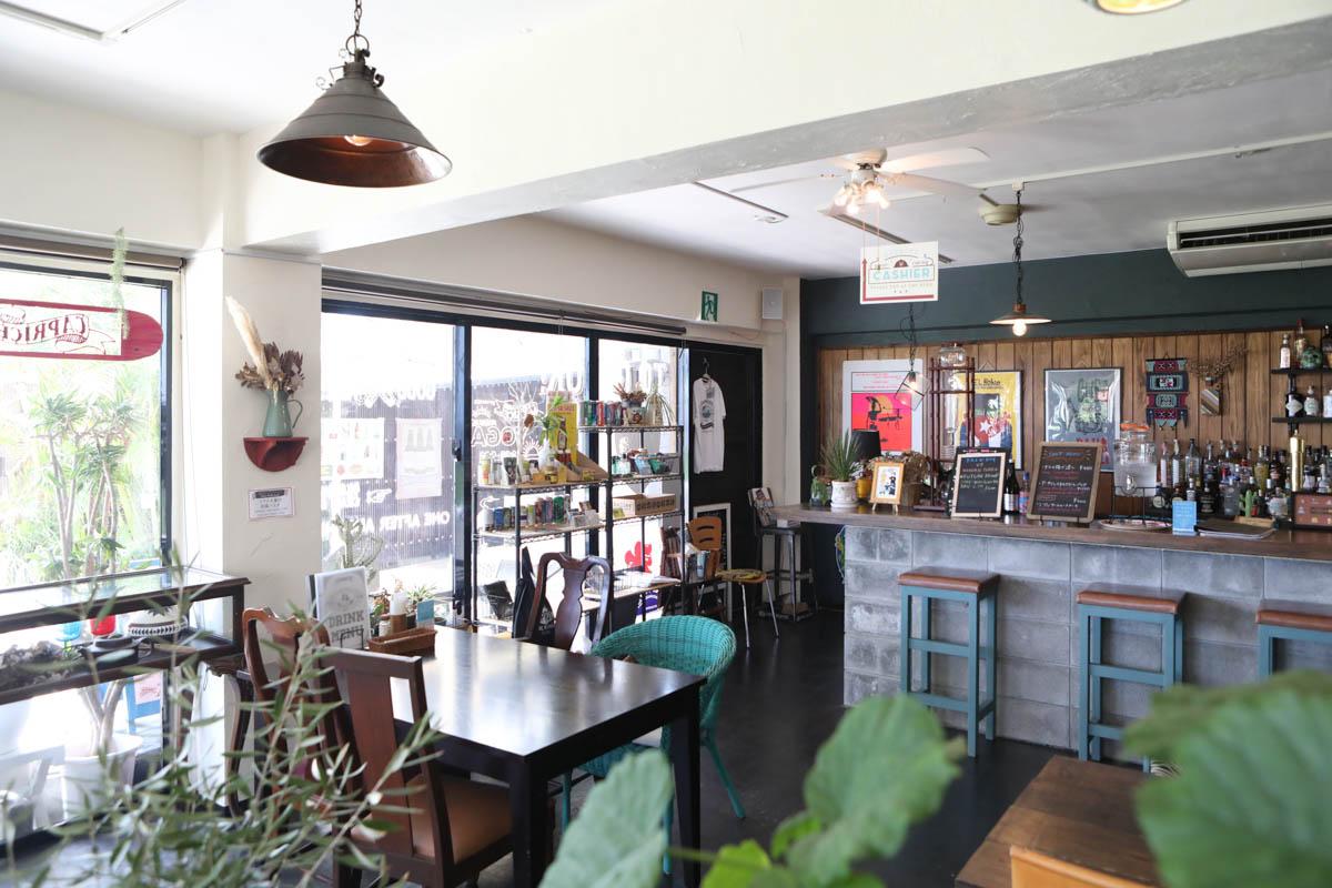 読谷村の海が見えるカフェ、カプリース