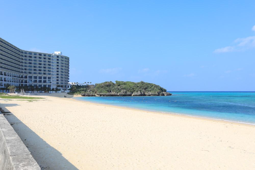 隣のビーチ