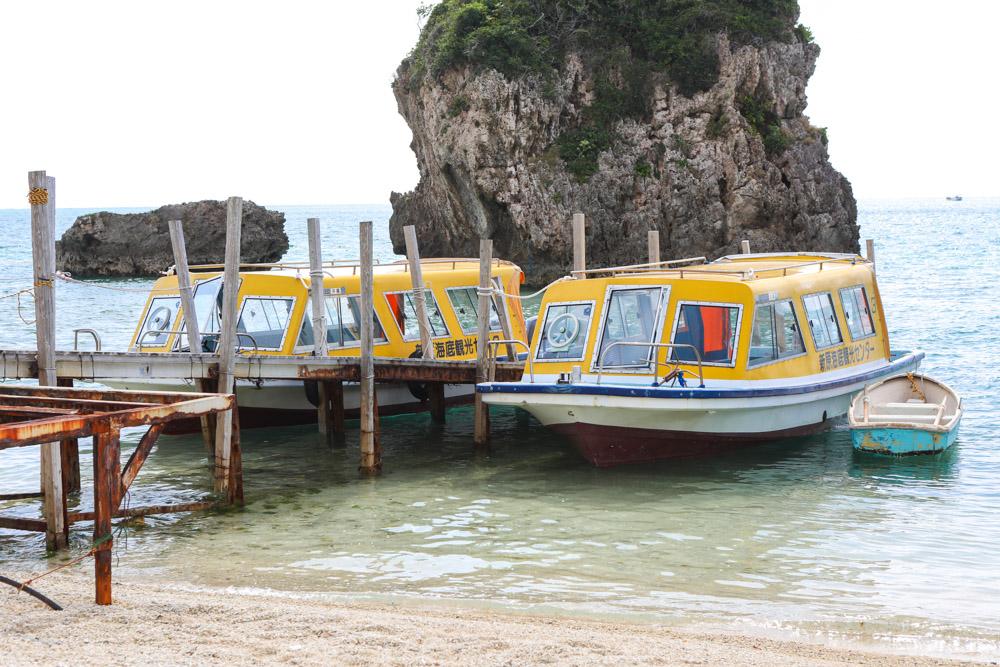 新原ビーチのグラスボート