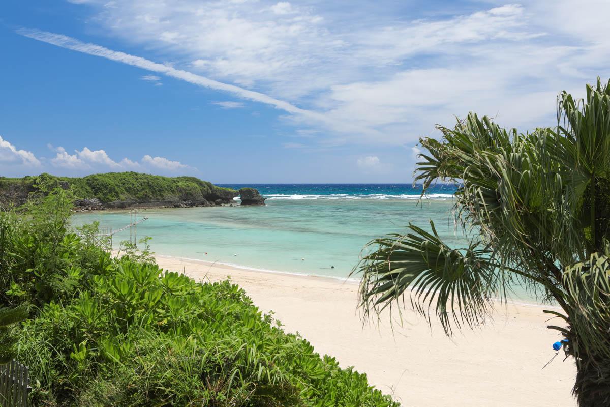 ホテル日航アリビラの前のビーチ