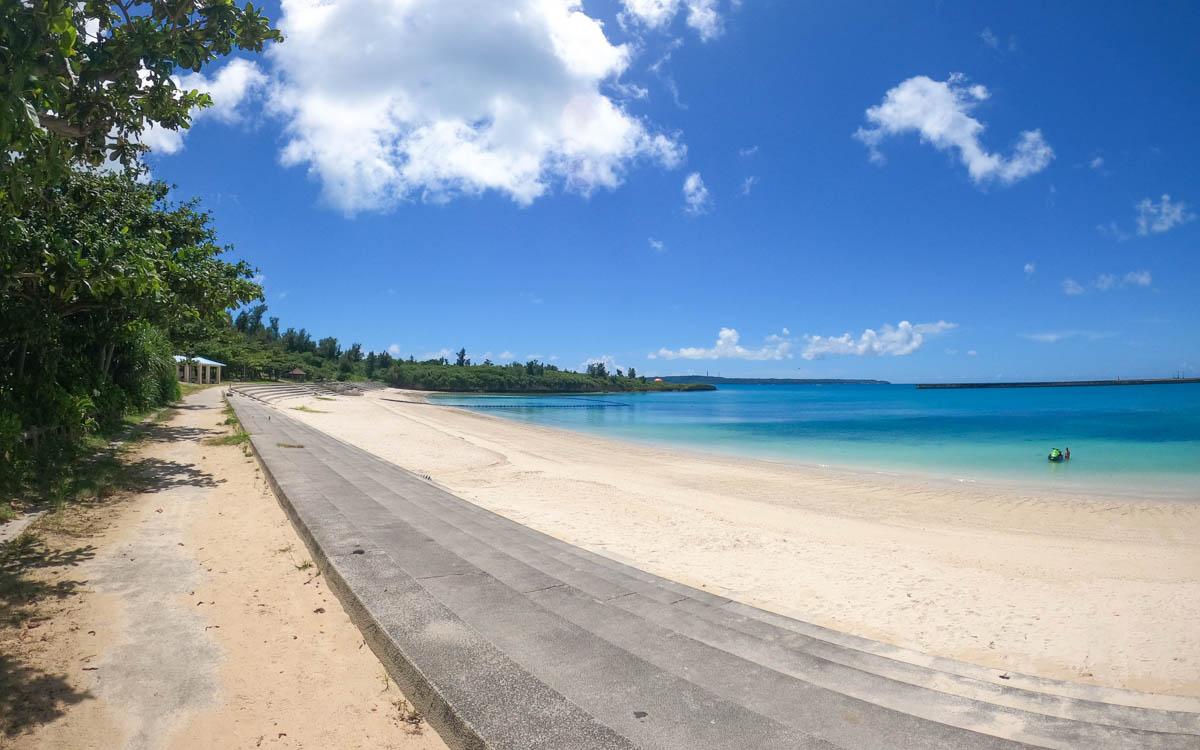 パイナガマビーチの浜辺