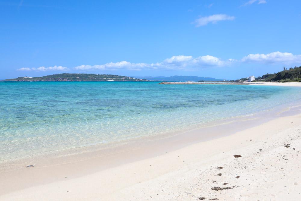 古宇利島が見える海