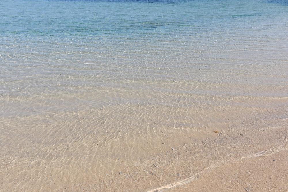 リゾートビーチの中では王位の美しい海