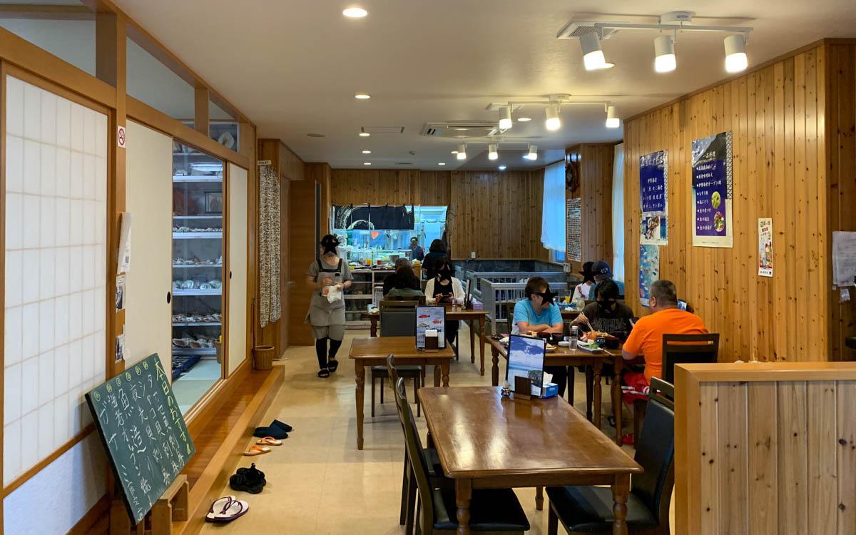 宮古島で地元民にも人気の海鮮料理店