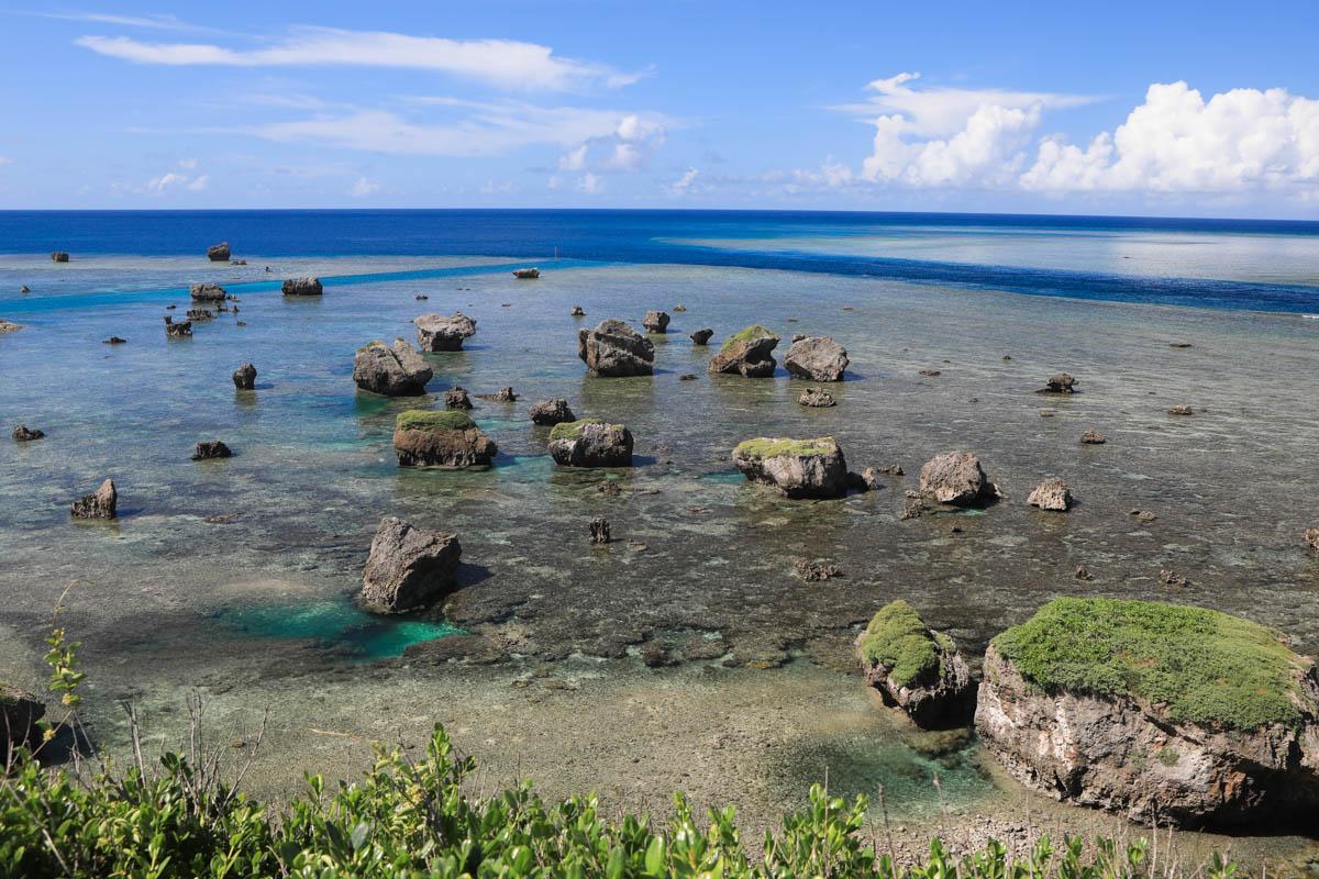 巨大な津波岩