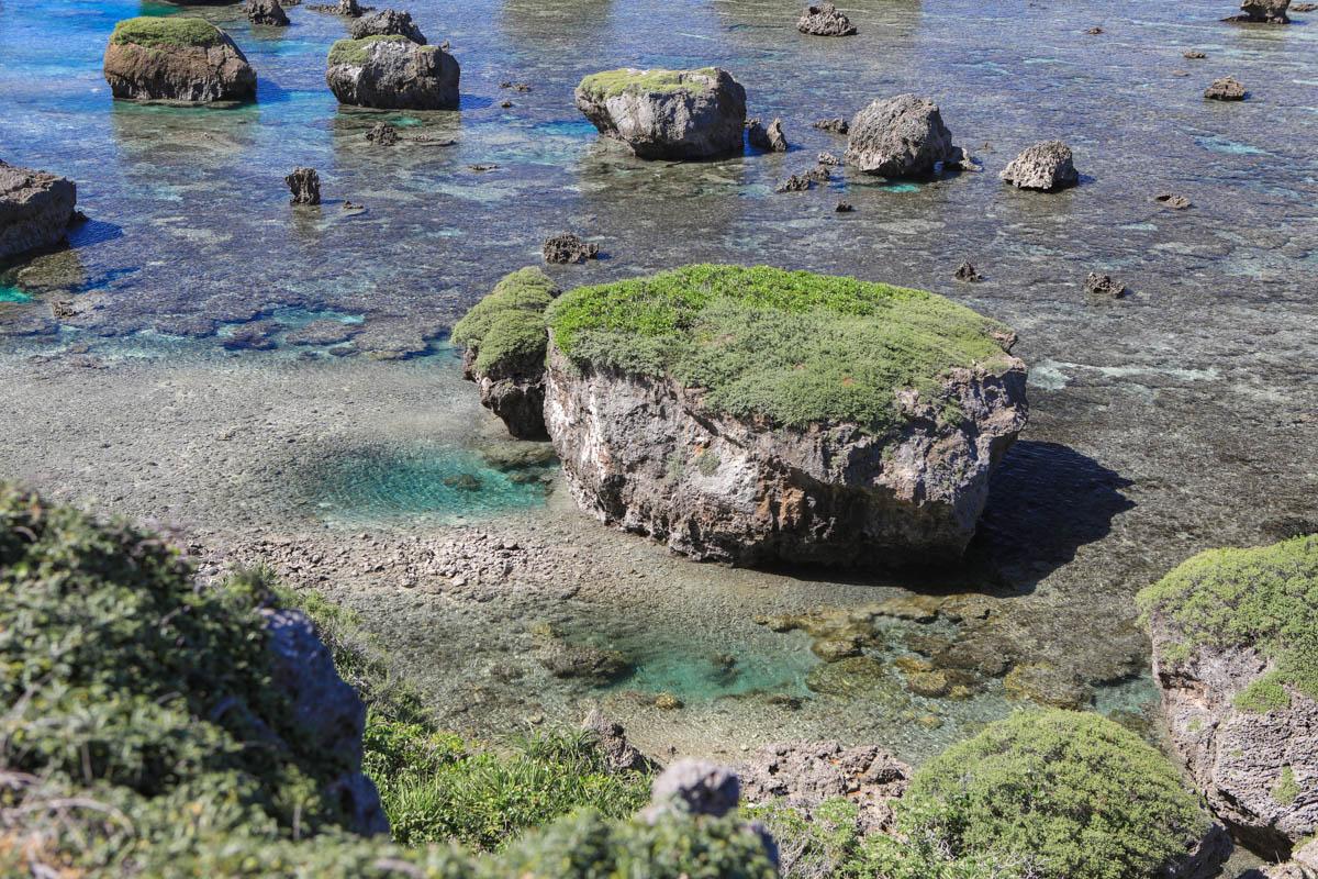 宮古島の津波岩