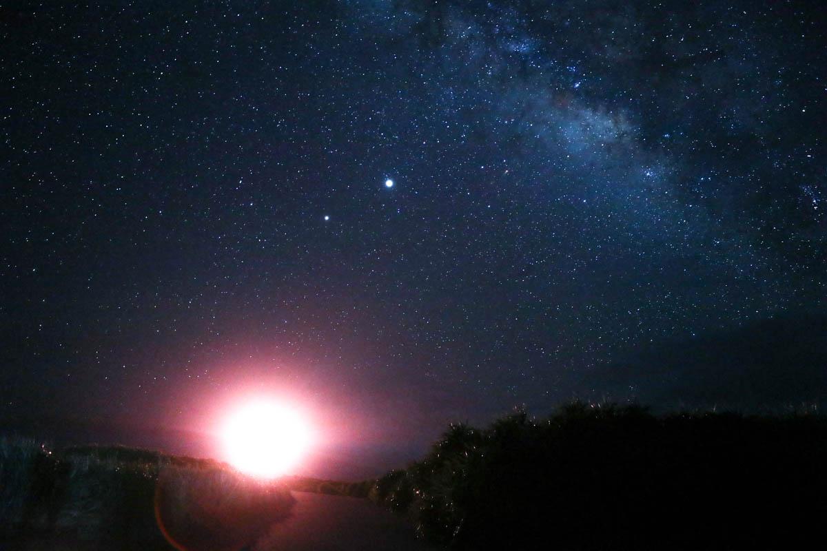 灯台の麓 星空撮影スポット