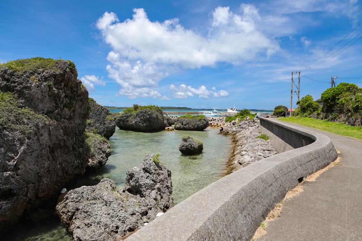 大神島 岩場沿い