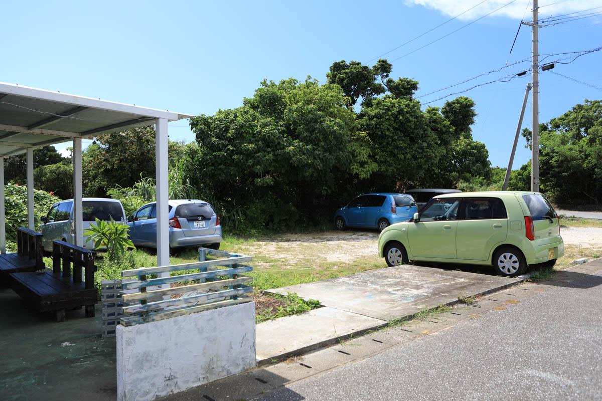 スナヤマカフェの駐車スペース