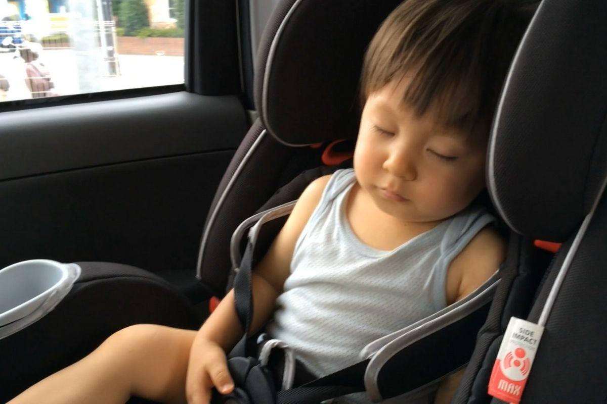 沖縄旅行で疲れた子ども