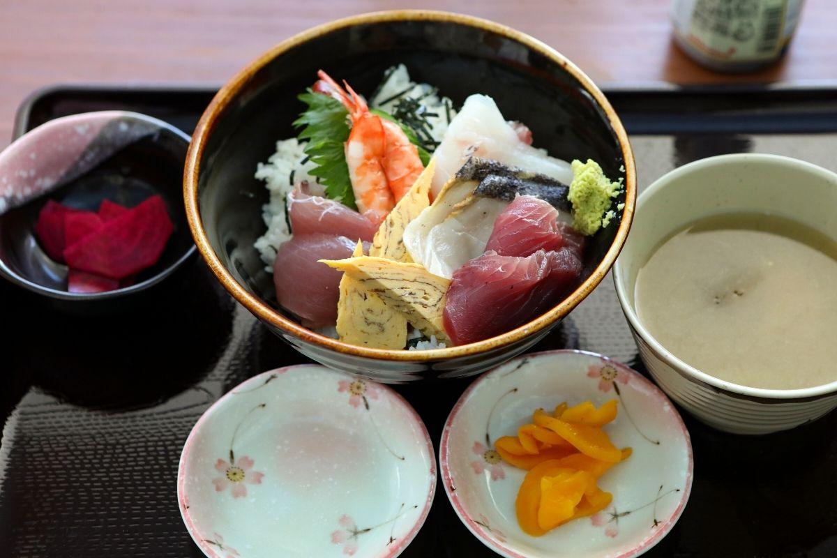 ランチの海鮮丼