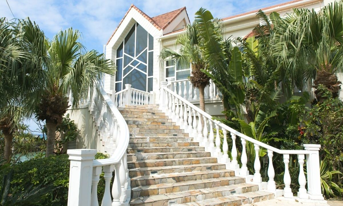 沖縄のリゾートウディング