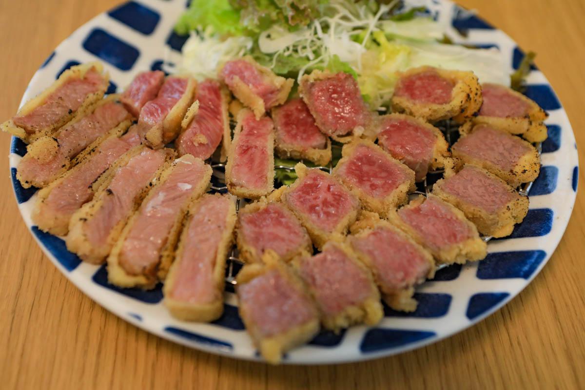 肉や食堂へんざの人気メニュー