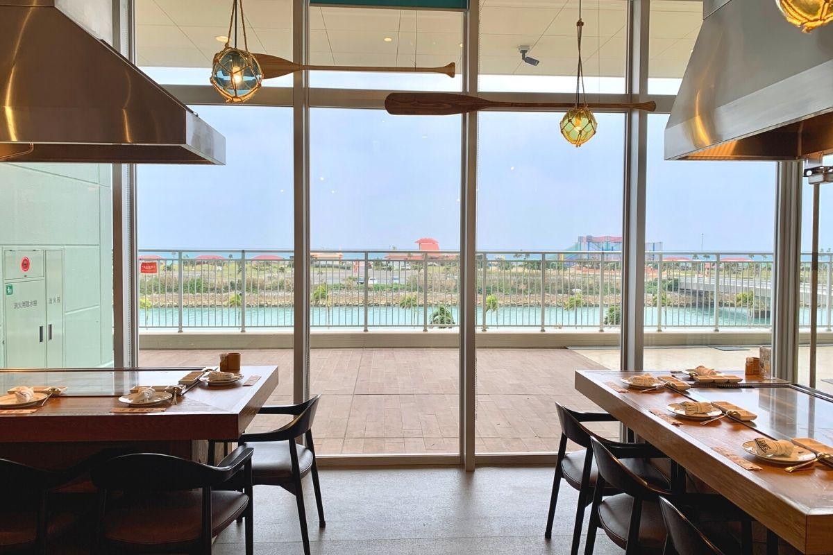 海が見えるステーキレストラン