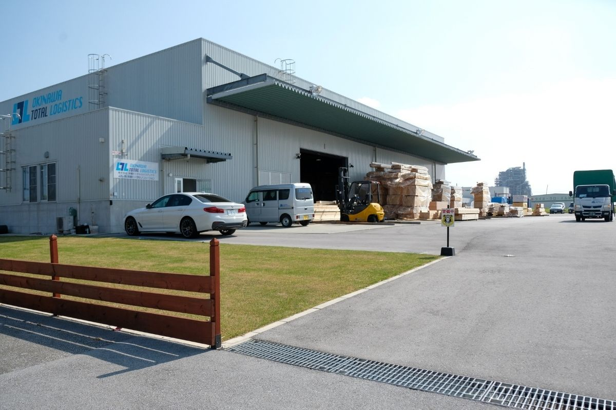 沖縄の車両輸送会社